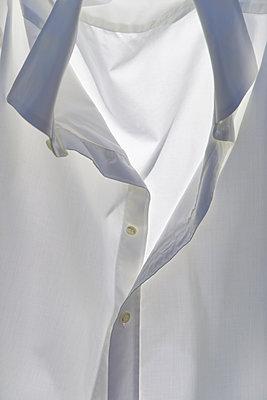 Last Shirt - p1657m2298119 by Kornelia Rumberg
