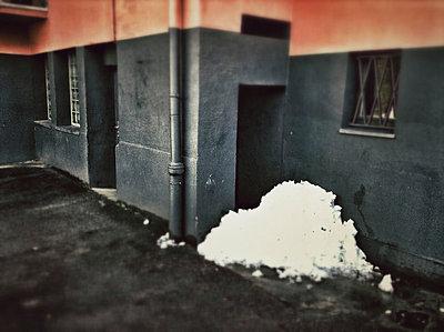 Schneehaufen - p586m781011 von KNSY Bande