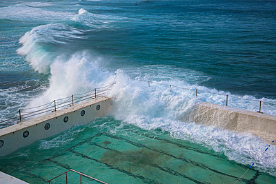 Ocean waves braking on pool on the waterfront - p1170m1044340 by Bjanka Kadic