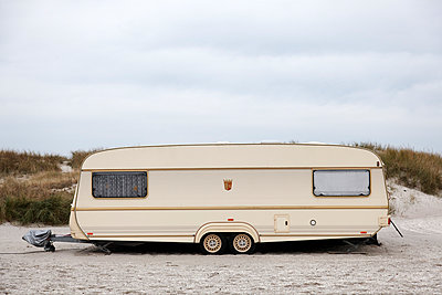 Caravan - p238m898964 by Anja Bäcker