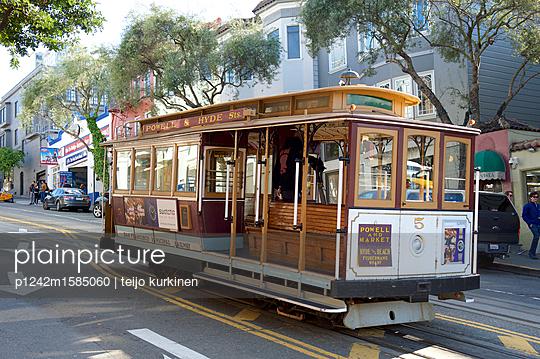 Cable Car in San Francisco - p1242m1585060 von teijo kurkinen