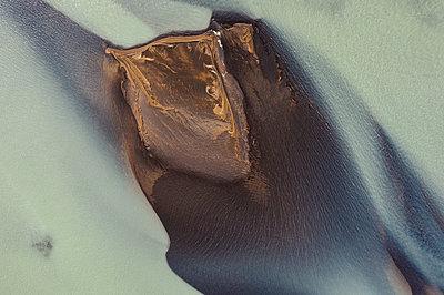 River by da drone - p1585m2285330 by Jan Erik Waider