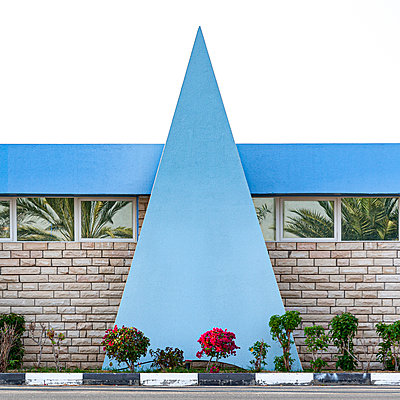 House front with triangle element - p280m2172312 by victor s. brigola