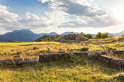 Greece, Peloponnese, Corinthia, Stymfalia, Ancient plateau, Lake Stymphalia - p300m2029926 von Maria Maar