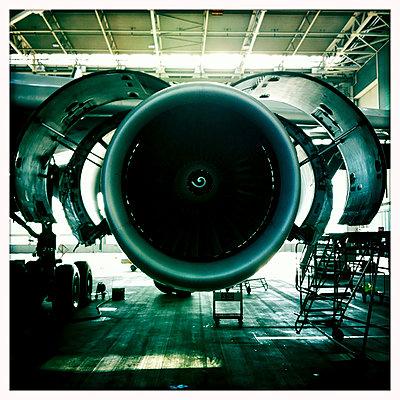 Plane - p587m990105 by Spitta + Hellwig