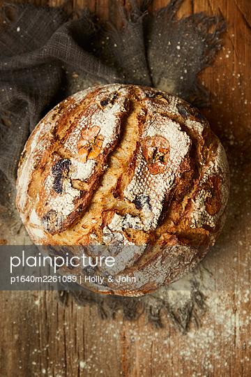 Fresh bread - p1640m2261089 by Holly & John