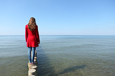 Day at the sea - p045m938921 by Jasmin Sander