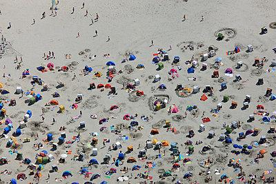 Strand - p1016m755489 von Jochen Knobloch
