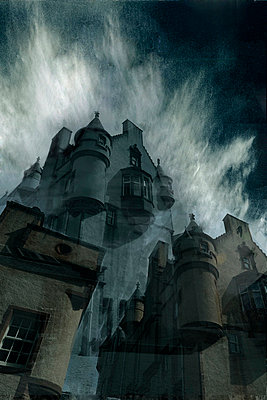 Geisterhaus / Balmoral Castle - p9792907 von Eichhorst