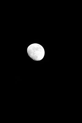 Moon - p1790412 by Roland Schneider