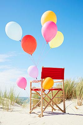 bunte Luftballons - p464m1123933 von Elektrons 08