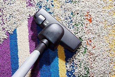 Housework - p1043m908000 by Ralf Grossek