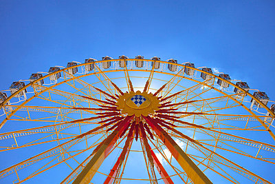 Oktoberfest Ferris wheel big Munich Germany day - p609m765466 by WRIGHT