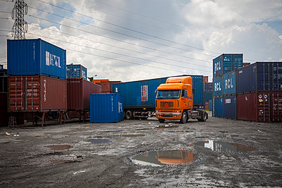Activity in a container yard in Dong Nai, Vietnam - p934m1022282 by Sebastien Loffler