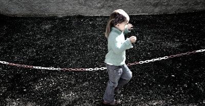 Kindheit - p8290170 von Régis Domergue