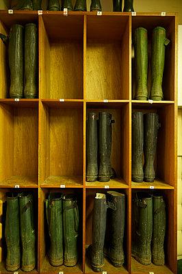 Stiefel im Hotel, Schottland - p1259m1064619 von J.-P. Westermann