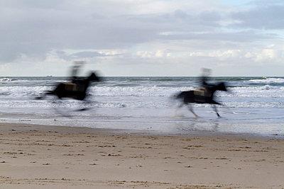 Reiter am Strand - p4170203 von Pat Meise