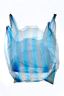 Plastic shopping bag - p2651507 by Oote Boe