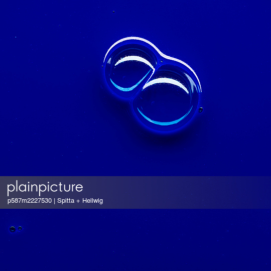 Bubbles on blue - p587m2227530 by Spitta + Hellwig