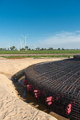 Bewehrung für Fundamente für Windkraftanlagen - p1079m1584218 von Ulrich Mertens