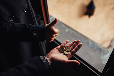 Hände und Geld - p1184m992522 von brabanski