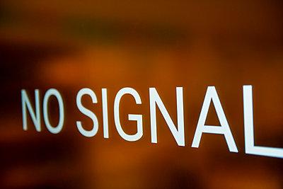 No Signal, text - p1267m2288240 by Jörg Meier