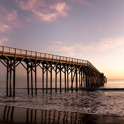 Wooden bridge - p552m1083263 by Leander Hopf
