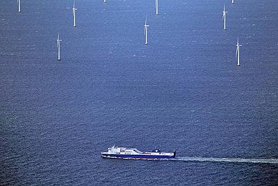 Offshore Windpark bei Dänemark - p1016m934789 von Jochen Knobloch