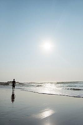 Am Strand - p949m951745 von Frauke Schumann