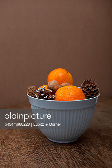 Orangenzeit - p454m668229 von Lubitz + Dorner