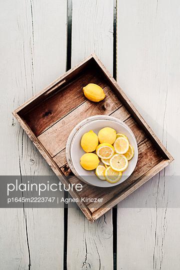 Zitronen - p1645m2223747 von Agnes Kinczer