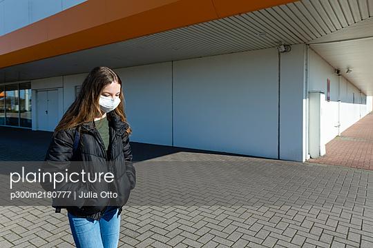 p300m2180777 von Julia Otto