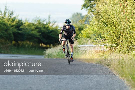 p669m1520621 von Lee Irvine