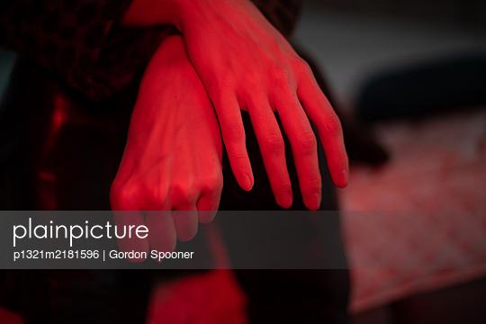 Woman's hands, close-up - p1321m2181596 by Gordon Spooner