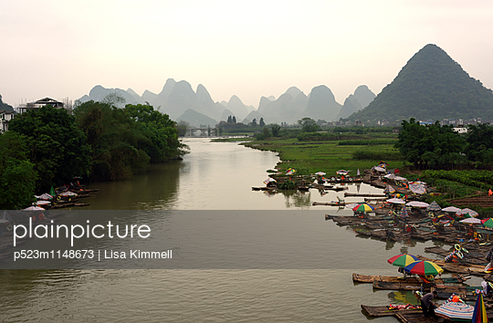 Yulong River - p523m1148673 von Lisa Kimmell