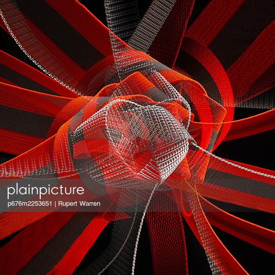 Tying the knot - p676m2253651 by Rupert Warren