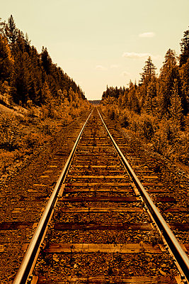 Bahnstrecke - p248m817030 von BY