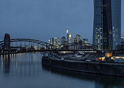 Germany, Hesse, Frankfurt,Germany, View to Osthafenbruecke and financal district at night - p300m911113f by Martin Moxter