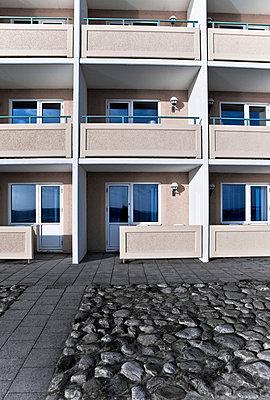 Neighbor - p4261627f by Martin Botvidsson