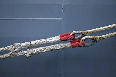 ropes of a marineship - p896m1479429 by Richard Brocken