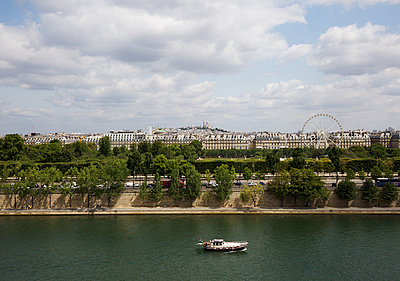 Am Ufer der Seine - p606m1208139 von Iris Friedrich