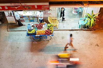 Straßenszene - p1271m2055344 von Maurice Kohl