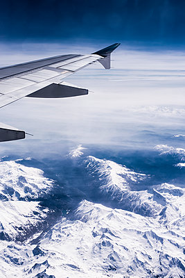 Swiss Alps seen from airplane - p1046m1467524 by Moritz Küstner