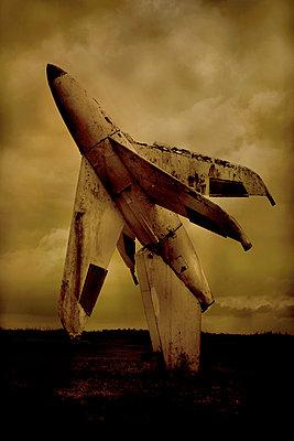 Rocket - p1028m2222343 by Jean Marmeisse
