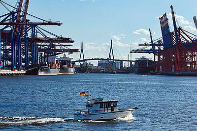Bubendey-Ufer, Hamburg - p324m1026476 von Alexander Sommer
