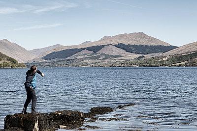 Erholung am See in Schottland - p1222m1425548 von Jérome Gerull