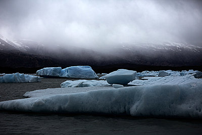 Lago Argentino - p719m883162 by Rudi Sebastian