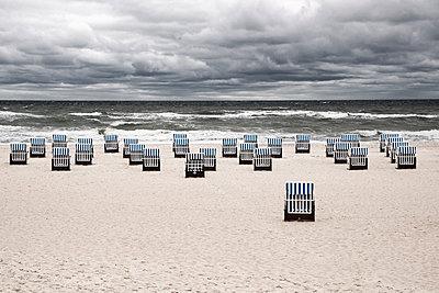 Strandkörbe am Strand von Kühlungsborn - p1162m1461828 von Ralf Wilken