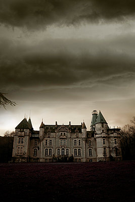 Castle and darkness - p2480979 by BY