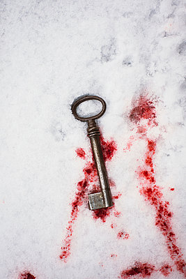 Key and blood - p946m973269 by Maren Becker